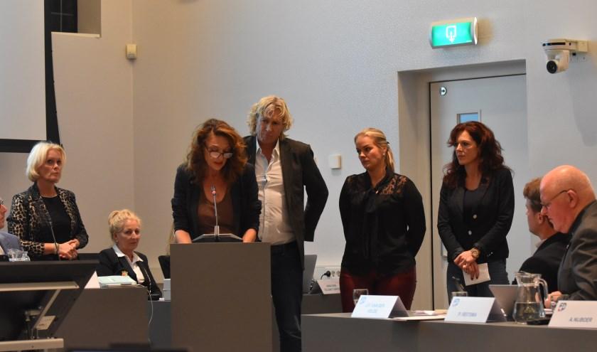 Brigitta Scheepsma (GL) verklaart namens de oppositie de raadszaal te zullen verlaten.