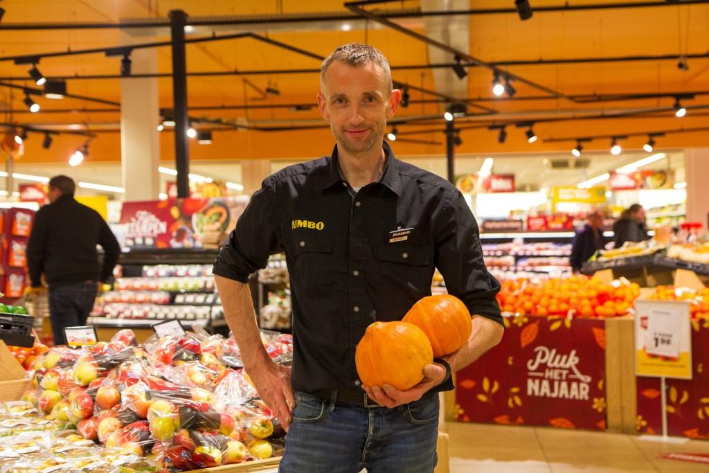 Chef AGF Ruud Boersma zorgt voor de dagelijkse vitames bij Jumbo Burgum.  Foto: Actief Media © Actief Media