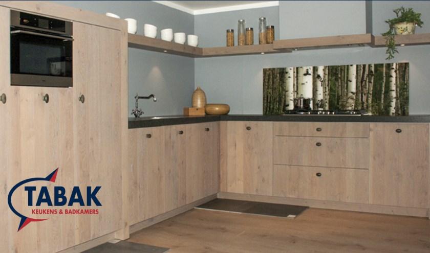 Tabak Keukens & Badkamers heeft een ruime collectie keukens en badkamers in de showroom.