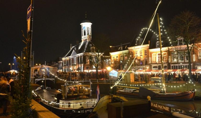 Het historische centrum van Dokkum leent zich perfect voor een sfeervolle kerstfair.