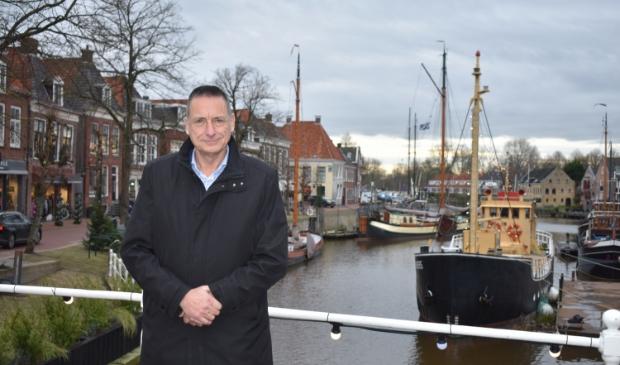 <p>VVD-wethouder Jelle Boerema in hartje Dokkum.</p>