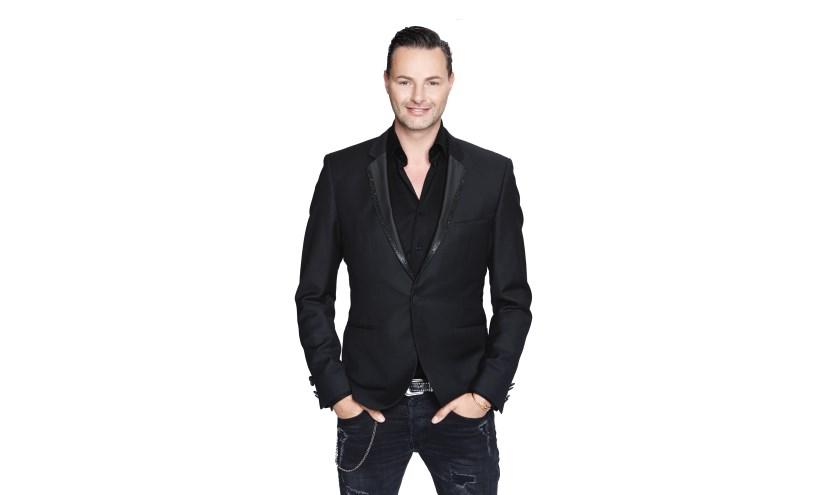 Fred van Leer zorgt voor vakkundig commentaar, modetips en informatie over de nieuwste trends.
