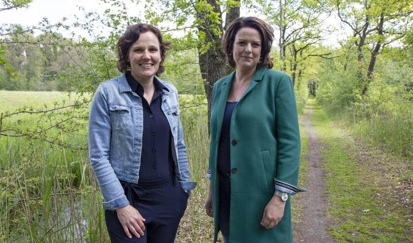 Sandra Antonides en Jolanda Dam zijn de uitvaartverzorgers van Uitvaartzorg Memoria.