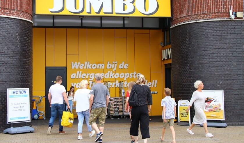 Jumbo Burgum breidt de openingstijden op zondag uit.