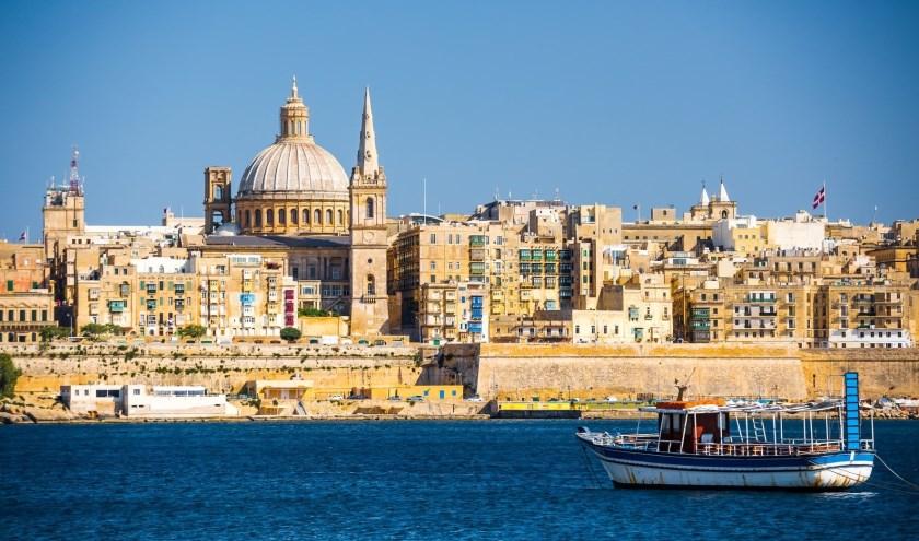 Het uitzicht vanaf zee op de prachtige hoofdstad van Malta, Valletta.
