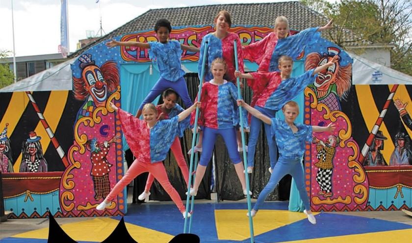 Circus Saranti treedt op tijdens Tryn's Rock in het uitgebreide kinderprogramma.