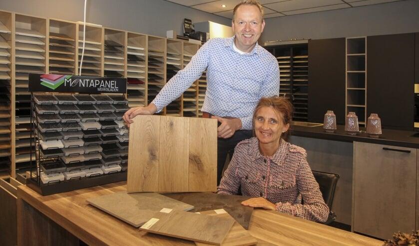 Rob en Jannie Wijnstra zijn meesters in hartelijkheid. Kom binnen en bespreek uw wensen aan de sfeervolle tafel.