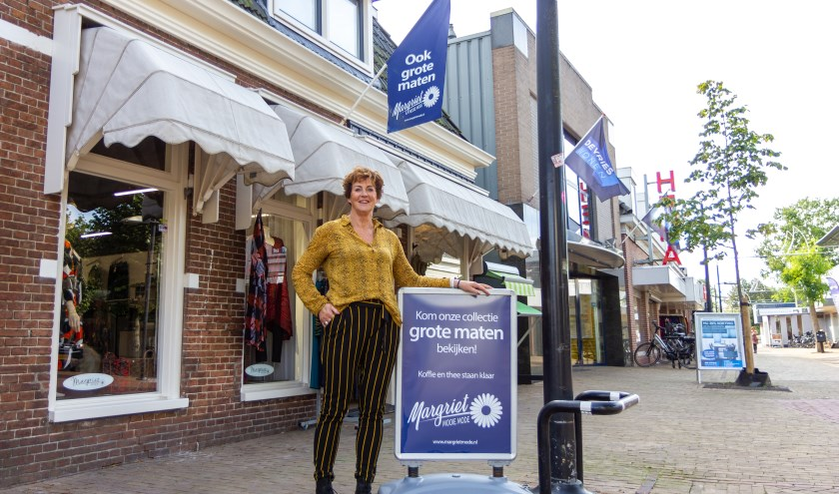 Margriet de Haan organiseert bij Magriets Mode in Burgum op verzoek vriendinnenavonden of bedrijfsuitjes.
