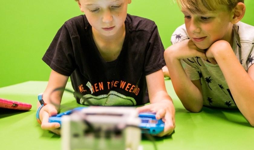 In de bibliotheken van Burgum, Gytsjerk en Hurdegaryp zijn regelmatig allerlei leuke, gratis workshops te volgen voor de jeugd.