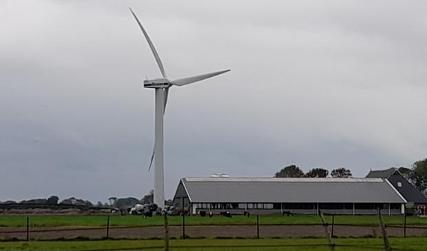 <p>E&eacute;n van de huidige windturbines van &#39;Ternaard&#39;, waar die bij Moddergat ook bij hoort.</p>