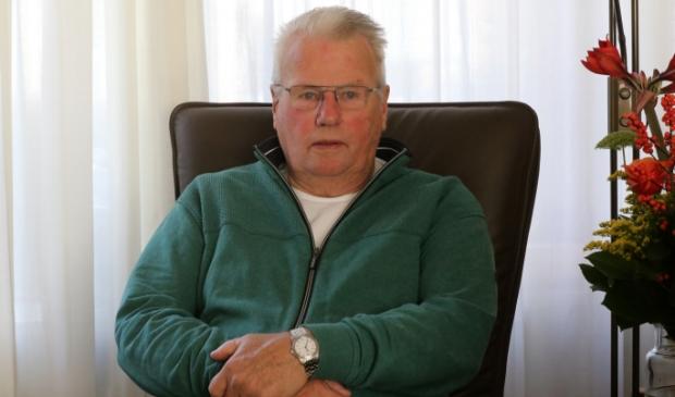 <p>Sybren Bruinsma in zijn praatstoel, als immer rechttoe, rechtaan.</p>