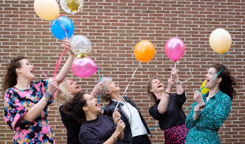 Het team van Avalon viert komend weekend het jubileum. Kijk voor de acties in de advertentie op pagina 4.