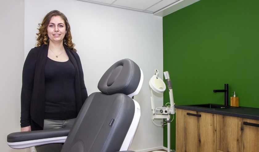 Lisanne Smit opent zaterdag Huidtherapeut en Schoonheids- salon Moaij  in De Westereen.