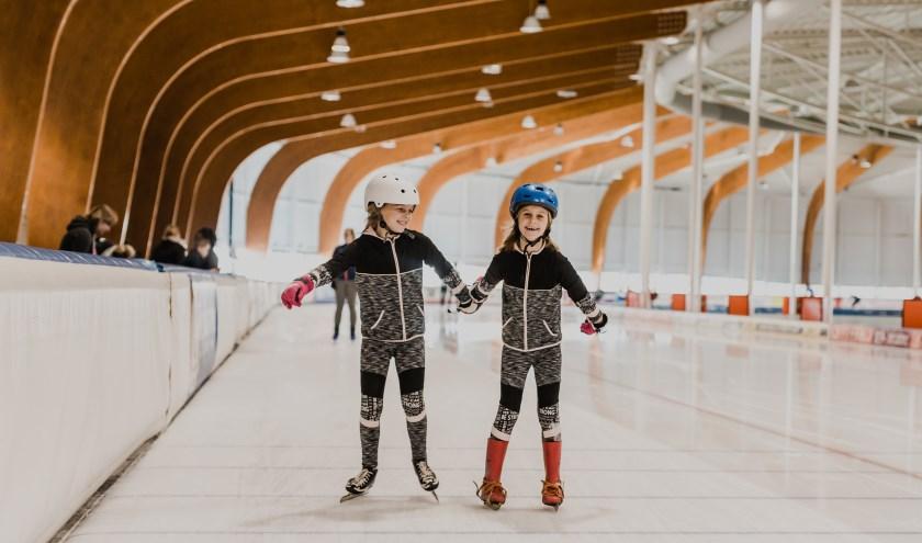Een dagje schaatsen is ook voor kinderen leuk. In de voorjaarsvakantie zijn er verruimde openingstijden en lage entreeprijzen.