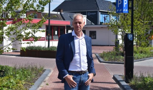 De nieuwe centrummanager Douwe van Drogen op de Markt in Drachten.
