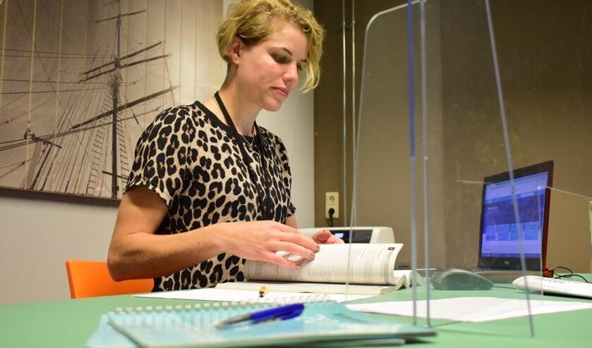 Tijdens het Formulierenspreekuur helpen getrainde vrijwilligers onder meer bij het invullen van formulieren.