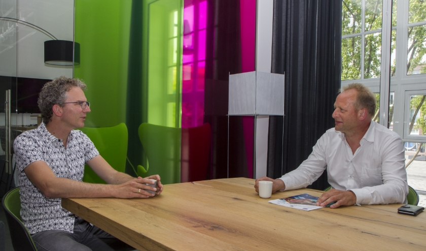 Joost van der Kooij van Globally Cool in gesprek met Jan de Vries van Apuls Cijfers & Advies.