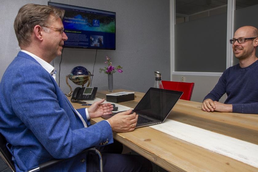 Jan Auke Steegstra en ontwerper en website/webshopbouwer Klaas Zuidersma.