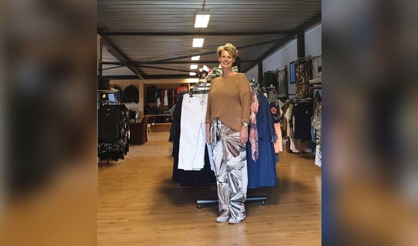"""Baukje Westra-Huisma van Baggy Choice in Drogeham. """"We verkopen kleding die de gemiddelde klanten aanspreekt."""""""