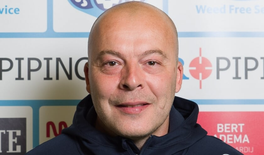 Libertas-coach Sees Bergman.