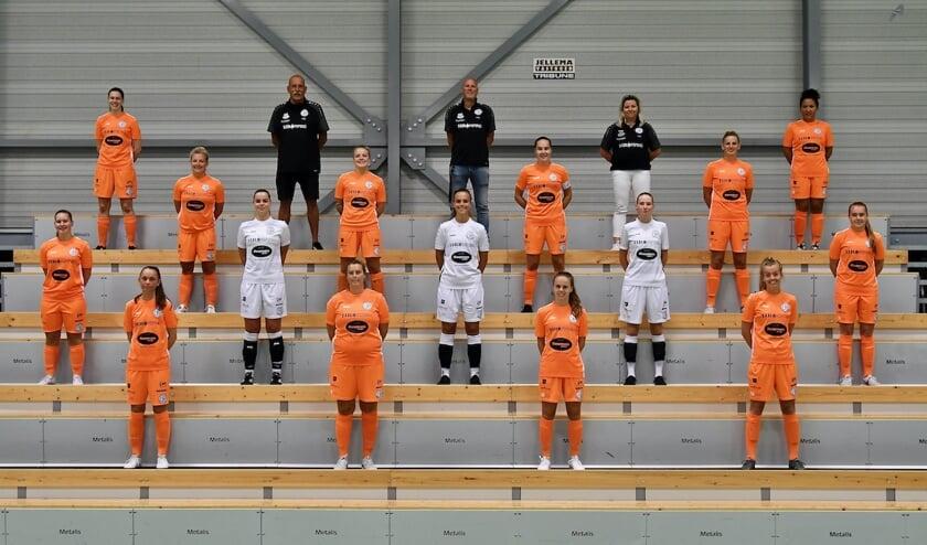 De selectie van de Drachtster zaalvoetbalvrouwen.