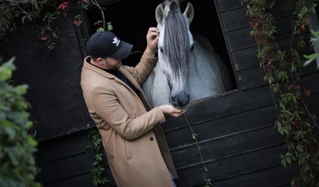 Us Wurkplak is een dagbestedingslocatie voor maximaal  vier cliënten die houden van werken met paarden.
