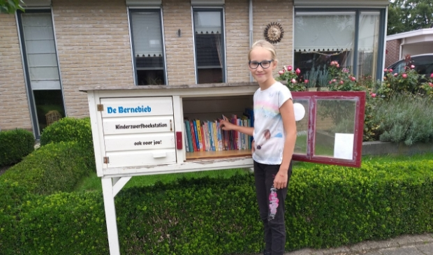 Jitsiena Koopmans, stationschef van het kinderzwerfboekstation de Bernebieb in Garyp.