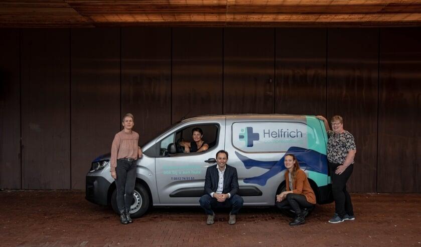 Het team compressietherapeuten van Helfrich Compressiezorg. Zij bezoeken u thuis, of u maakt een afspraak op de locaties in Drachten of Surhuisterveen.