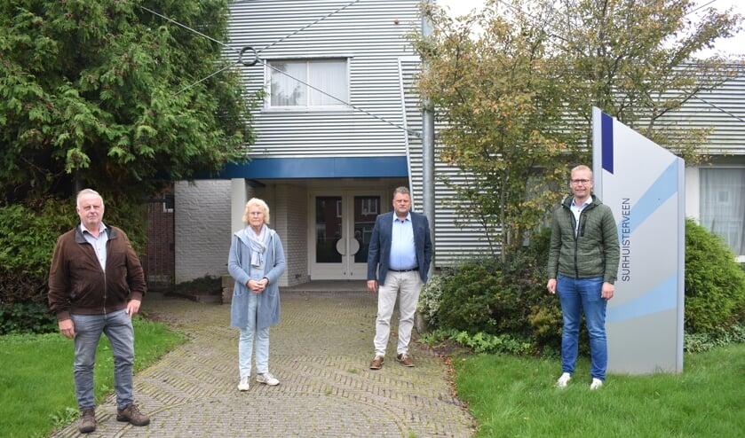 V.l.n.r., voor de oude MAVO: Sietze Hoekstra, Anneke van Dellen, Pieter Nicolai en Albert Bijma. Sietze Bijker en Bouke Baron waren verhinderd.