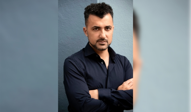 Özcan Akyol (Eus). Auteur en columnist
