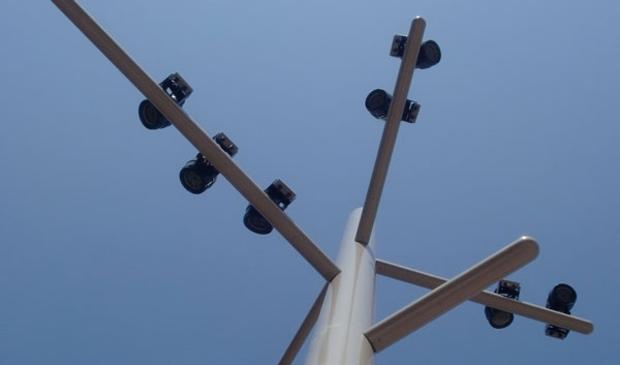 <p>Een stalen verlichtingsmast van PMF.</p>