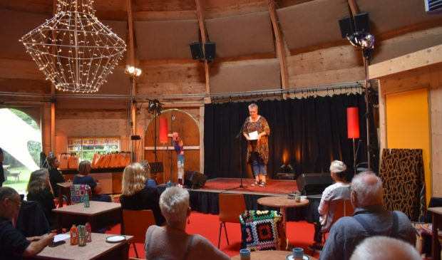 <p>De koepel bij de Muzykpleats was 23 augustus 2020 open vanwege de presentatie van Kunstroute Achtkarspelen. Maar het grootste deel van 2020 was de Muzykpleats dicht.</p>