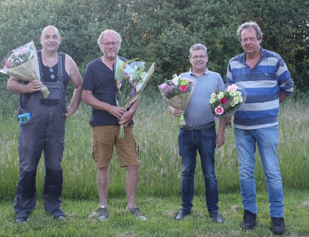<p><strong>Kampioenen van de marathonvlucht St. Vincent: Erik Bos, Simon Kuipers, Gerrit de Graaf en Auke Heidstra.</strong></p>