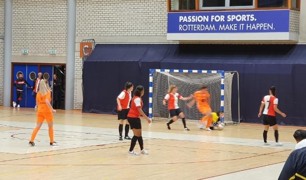 Na de wedstrijd in Rotterdam (zie foto) komen de Feyenoord-dames naar Drachten.