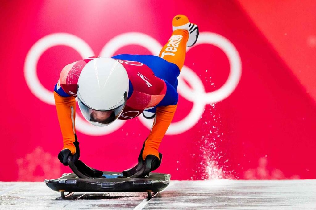 Kimberley Bos op de skeleton tijdens haar derde run op de Olympische Winterspelen in PyeongChang. Na vier runs eindigt de debutant op de achtste plaats. Foto: Stephan Tellier © NNP