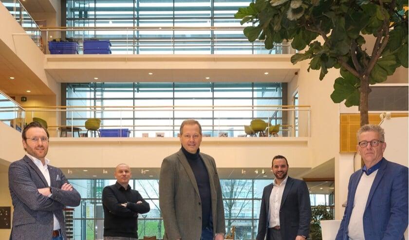 <p>• Foto van links naar rechts: Wilfred Pouleijn (BDUMedia), Erhard Soeterbroek (Telstar Mediagroep), Kees Reinders (DPG Media), Matthijs Malipaard (Rodi Media) en Bas Stikkelorum (DPG Media).</p>