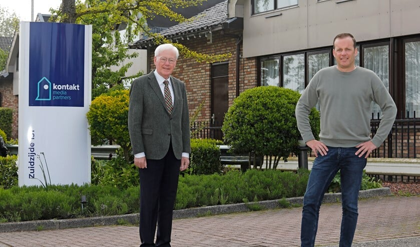 <p>• Uitgever Floor de Groot en manager commercie Simon Gijsbers.</p>