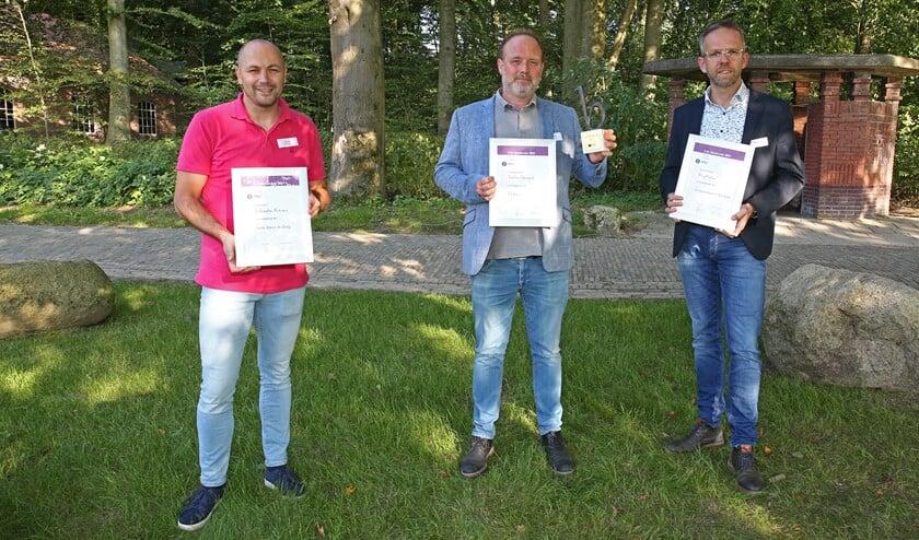 <p>• De genomineerden voor de A.M. Bandaprijs met in het midden winnaar Duncan Whyte van de Texelse Courant.</p>