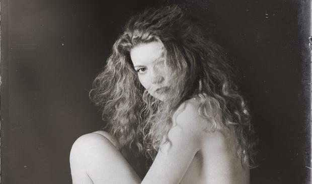 """""""Fleur Louwe, zelfportret. Met deze foto won ze een prestigieuze Lucie Award in New York""""."""