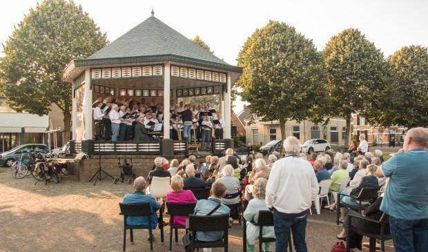 BMK-concert op Marktplein Brummen