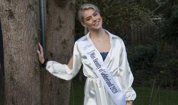 Foto: Roos de Jonge (18jr), finaliste Miss Beauty of Gelderland. Marion Verhaaf