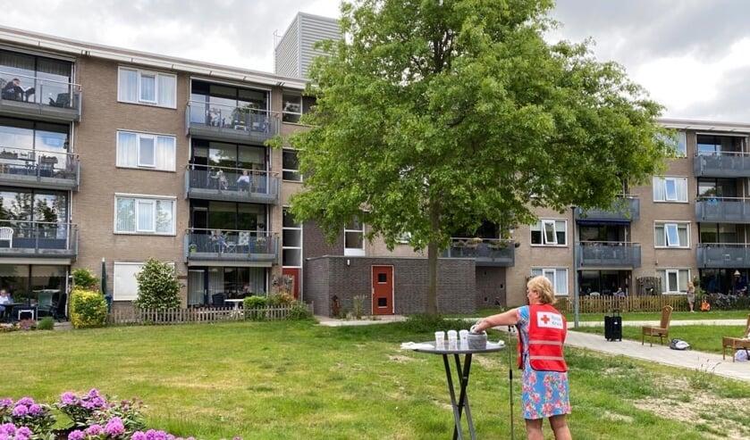 Bingo vanaf het grasveld naar het balkon!