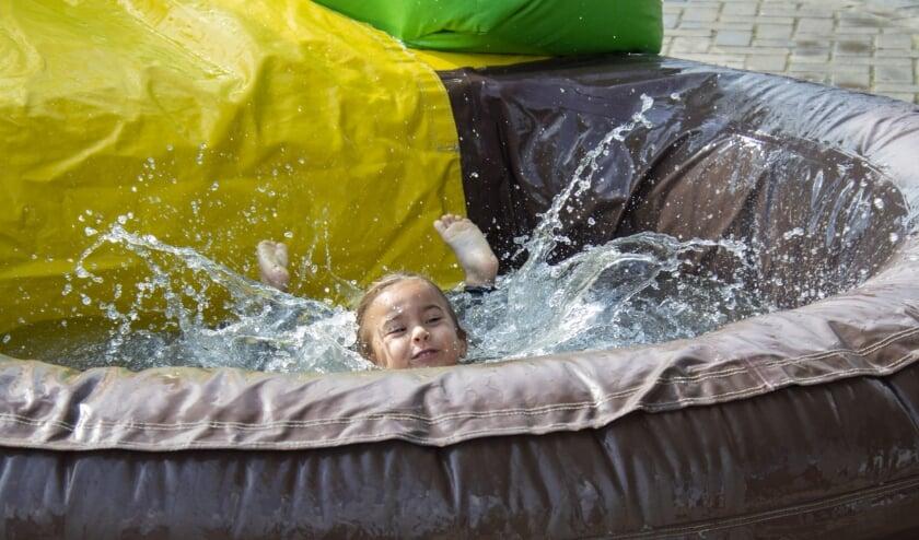 En dan vol in de bak met water terechtkomen in Eerbeek.