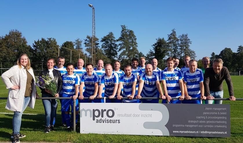 <p><strong>mpro adviseurs trotse tenue sponsor vv Oeken 5</strong></p>