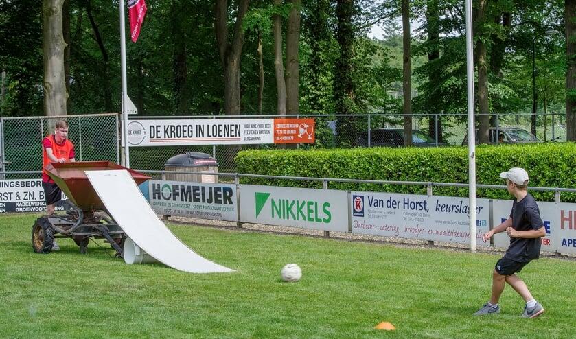 <p>Voetgolf bij vv Loenermark. Foto HMdeRegt</p>
