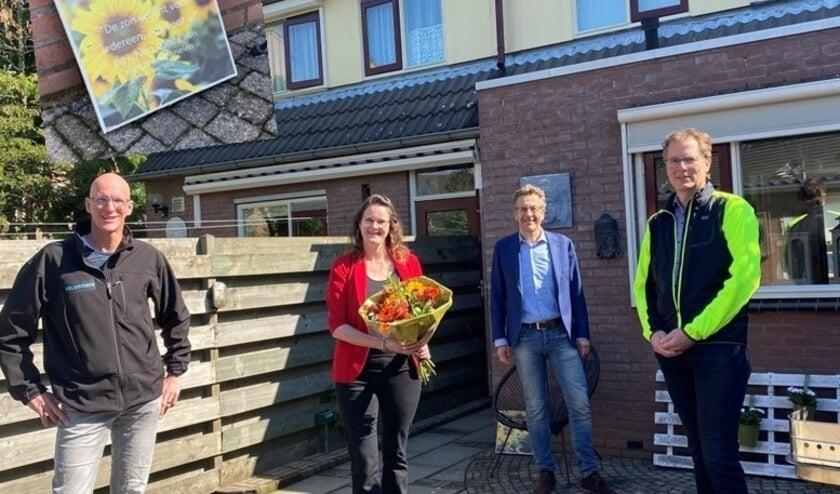 <p>1000e huis met zonnepanelen krijgt speciale stoepsteen..</p>