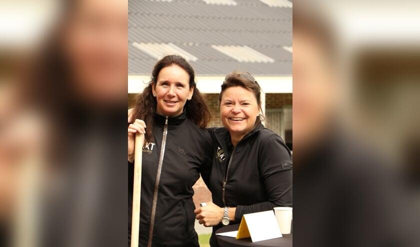 Mireille (links) en Anja (rechts) tijdens hun open huis in 2019. Foto: Jolien Koole