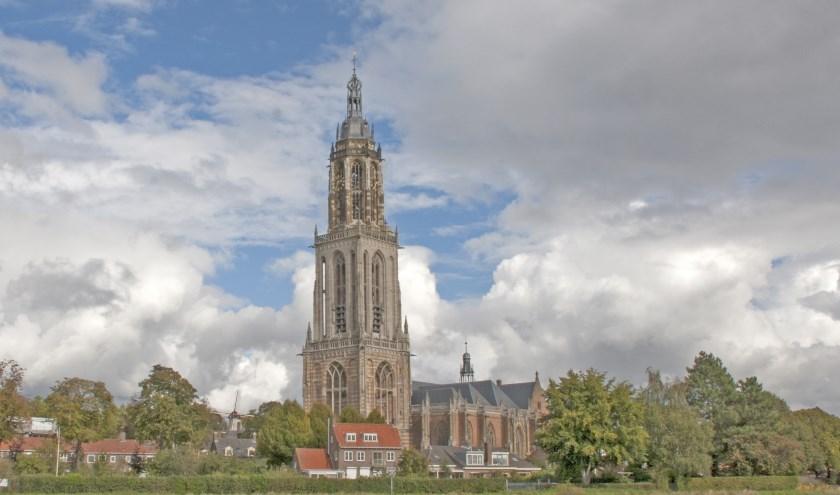 Gezicht op Cunerakerk en Cuneratoren. (foto: Willy Hoorn)