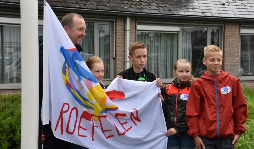 Burgemeester Rik de Lange met de vier jarigen op Roefeldag (eigen foto)