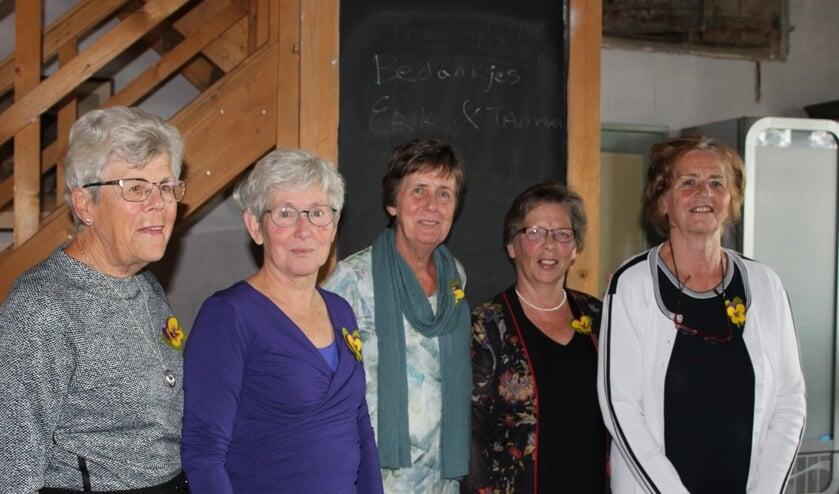 Bestuur Vrouwen van Nu, afdeling Midden-Betuwe. (foto: N. de Snoo)